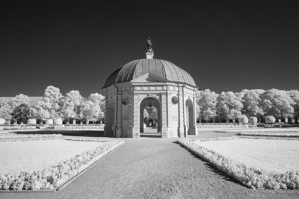 Im Hofgarten München - Infrarotfoto